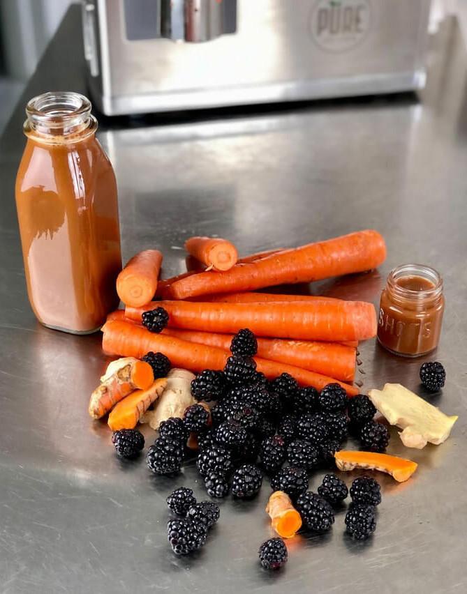 Carrots, blackberries and juice